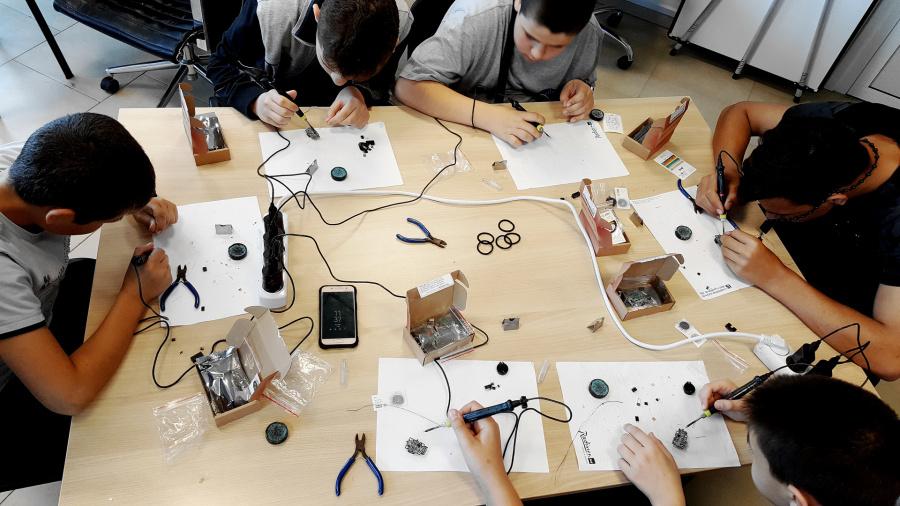 Tinusaur Assembling Workshop
